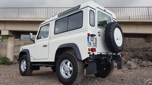 Land Rover Defender 90 Td5 - 6 Seats ( 82000 Mls ) For Sale (picture 4 of 6)