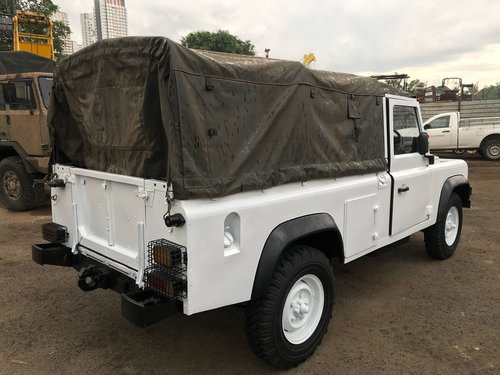 1985 LAND ROVER DEFENDER 110 SOFT TOP For Sale (picture 4 of 6)