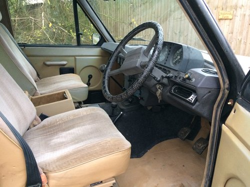 1981 Range Rover Classic, early four door. For Sale (picture 3 of 6)