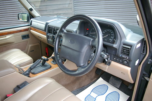1995 Land Rover Range Rover CLASSIC 3.9i V8 SWB (71,661 miles) SOLD (picture 4 of 6)
