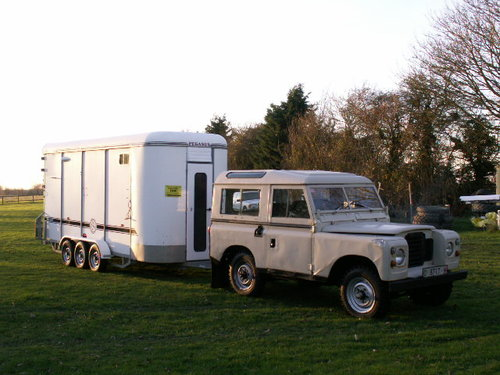 land rover LHD  santana 1975 world export diesel For Sale (picture 1 of 6)