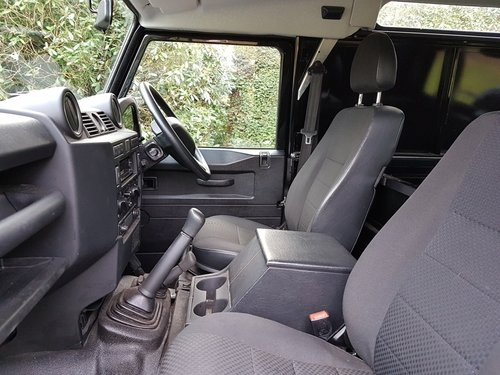 2014 LAND ROVER DEFENDER 90 TDCI COUNTY VAN For Sale (picture 5 of 6)
