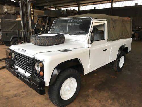 1995 LAND ROVER 110 DEFENDER (1985) Vintage Collection For Sale (picture 4 of 6)