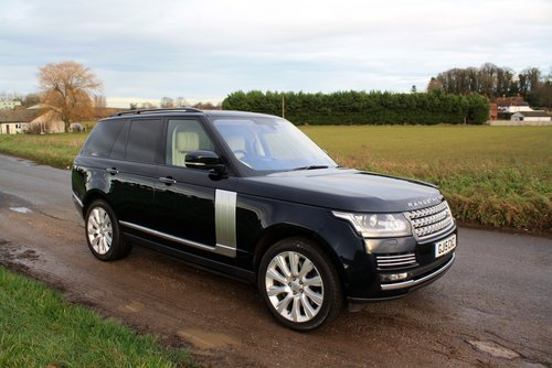 2015 Land Rover Range Rover 4.4 SD V8 Autobiography 4X4 5Dr. For Sale (picture 1 of 6)