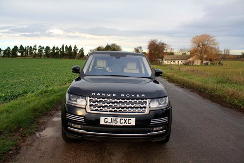 2015 Land Rover Range Rover 4.4 SD V8 Autobiography 4X4 5Dr. For Sale (picture 2 of 6)