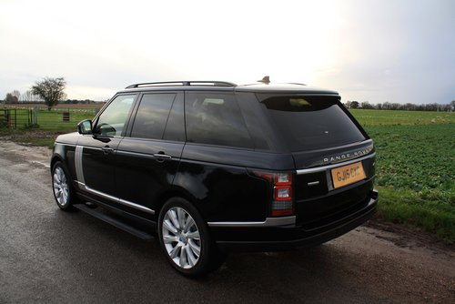 2015 Land Rover Range Rover 4.4 SD V8 Autobiography 4X4 5Dr. For Sale (picture 3 of 6)