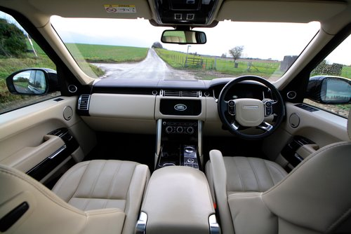 2015 Land Rover Range Rover 4.4 SD V8 Autobiography 4X4 5Dr. For Sale (picture 5 of 6)