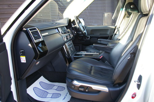 2011 Range Rover 4.4 TD V8 Vogue OVERFINCH GT Auto (56,342 miles) SOLD (picture 4 of 6)