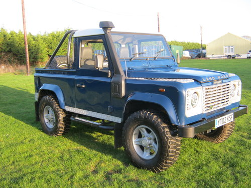 2002 LAND ROVER 90 TD5 DEFENDER. A GREAT LANDY! SOLD (picture 1 of 6)