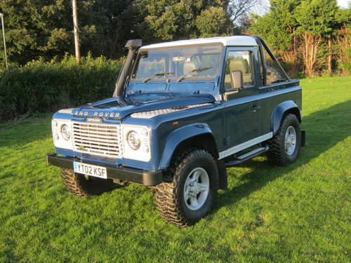 2002 LAND ROVER 90 TD5 DEFENDER. A GREAT LANDY! SOLD (picture 2 of 6)