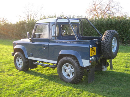 2002 LAND ROVER 90 TD5 DEFENDER. A GREAT LANDY! SOLD (picture 3 of 6)