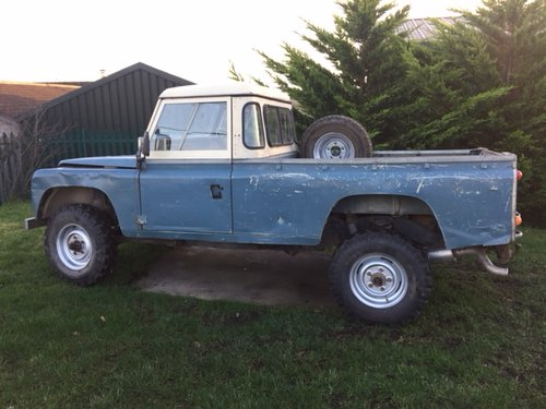 1984 LAND ROVER 110 EARLY V8 DEFENDER  SOLD (picture 1 of 5)