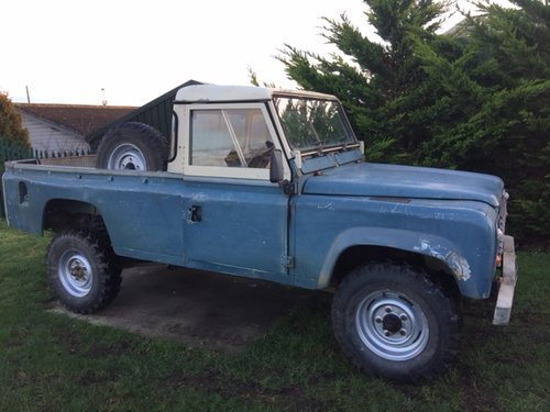 1984 LAND ROVER 110 EARLY V8 DEFENDER  SOLD (picture 4 of 5)