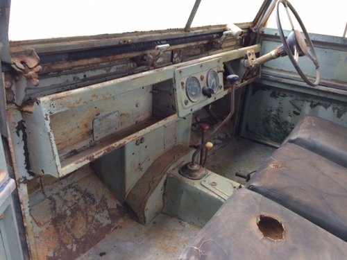 1957 Series 1 86 inch Land Rover for Restoration - Great Patina For Sale (picture 3 of 6)