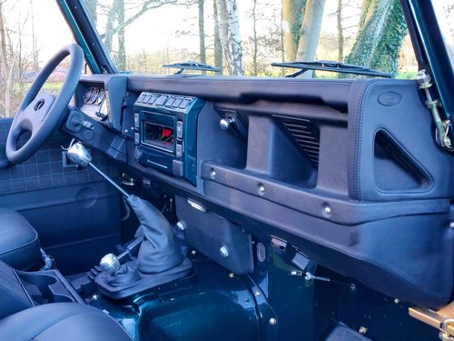 1994 Land Rover Defender 90 Soft Top 300 Tdi rebuild For Sale (picture 3 of 6)