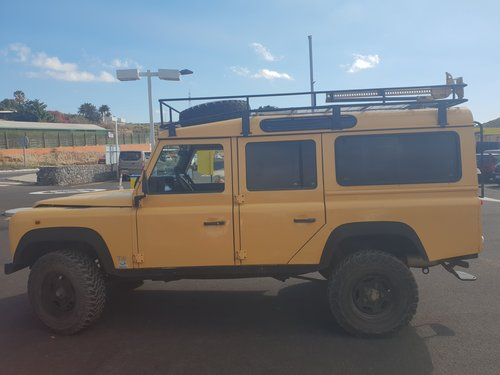1997 LAND ROVER DEFENDE 110 300TDI LHD For Sale (picture 2 of 6)