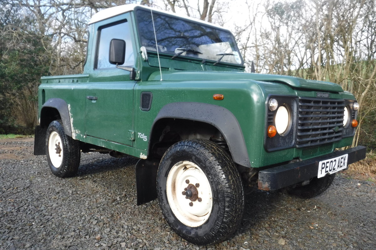2002 LAND ROVER 90 1 OWNER LOW MILES ALWAYS GARAGED ROT FREE SOLD (picture 1 of 6)