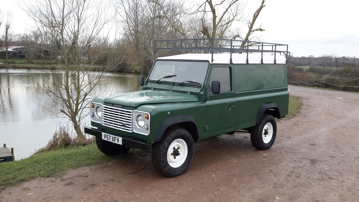 1997 LAND ROVER DEFENDER 110  2.5 300 tdi SOLD (picture 1 of 6)