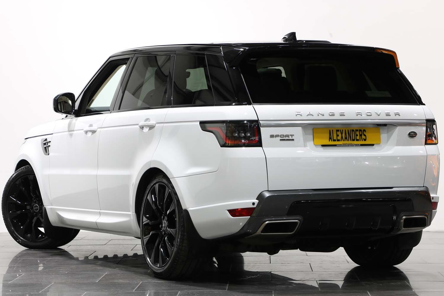 2018 68 RANGE ROVER SPORT 3.0 SDV8 HSE AUTO For Sale (picture 3 of 6)