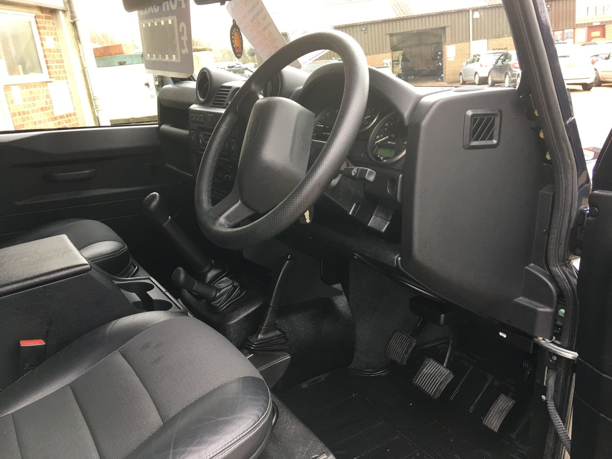 2014 land rover defender 90 tdci xs only 12000 miles mint For Sale (picture 5 of 6)