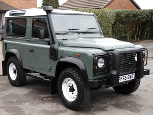 2016 LAND ROVER DEFENDER 90 2.2TDCI COUNTY S/W AS NEW!!