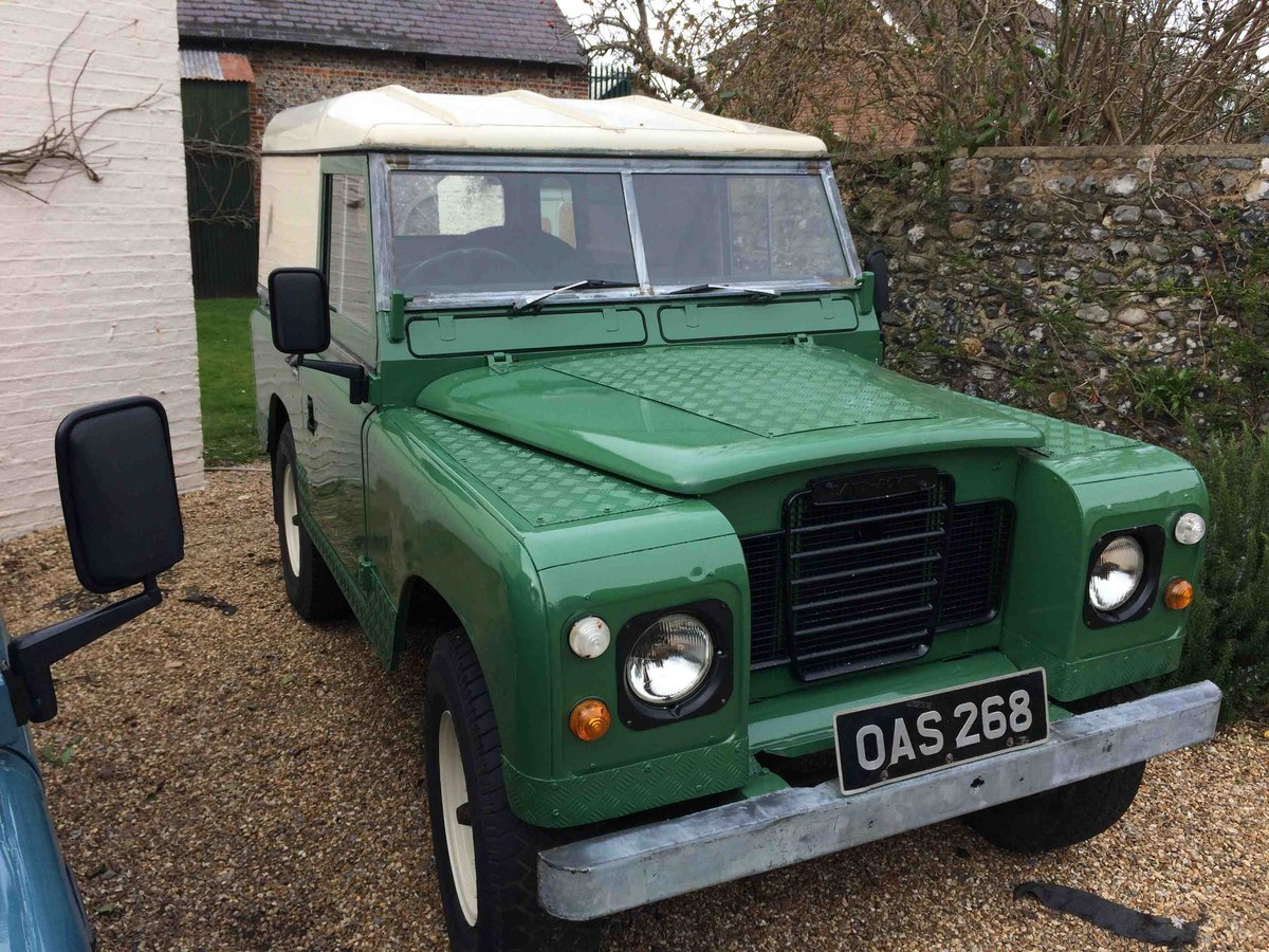 Landrover 2A 1966 New Chassis/Engine/Paint/Seats  SOLD (picture 1 of 6)