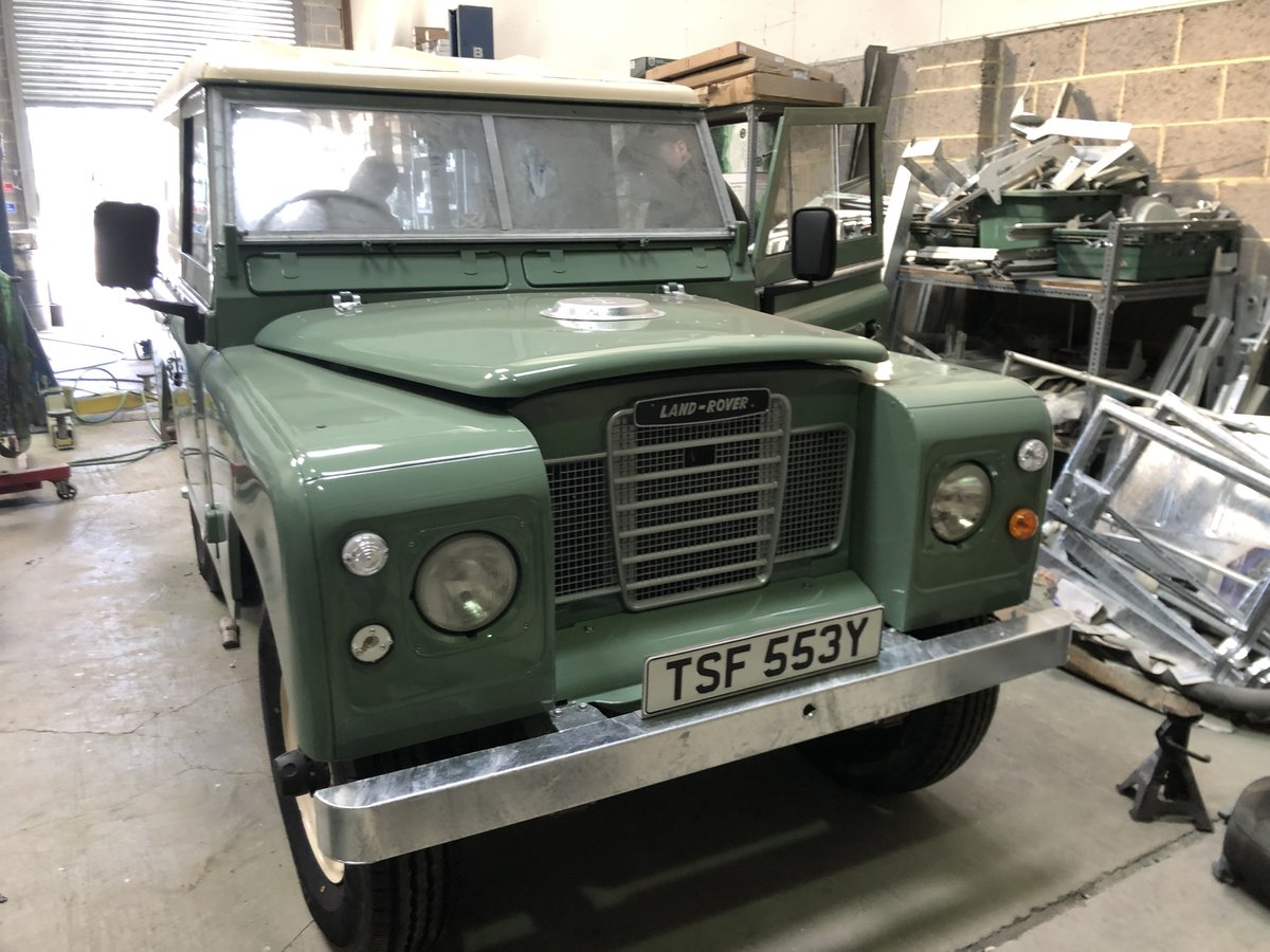 1983 Land Rover Series 3 galvanised chassis/doors. Restored SOLD (picture 1 of 6)