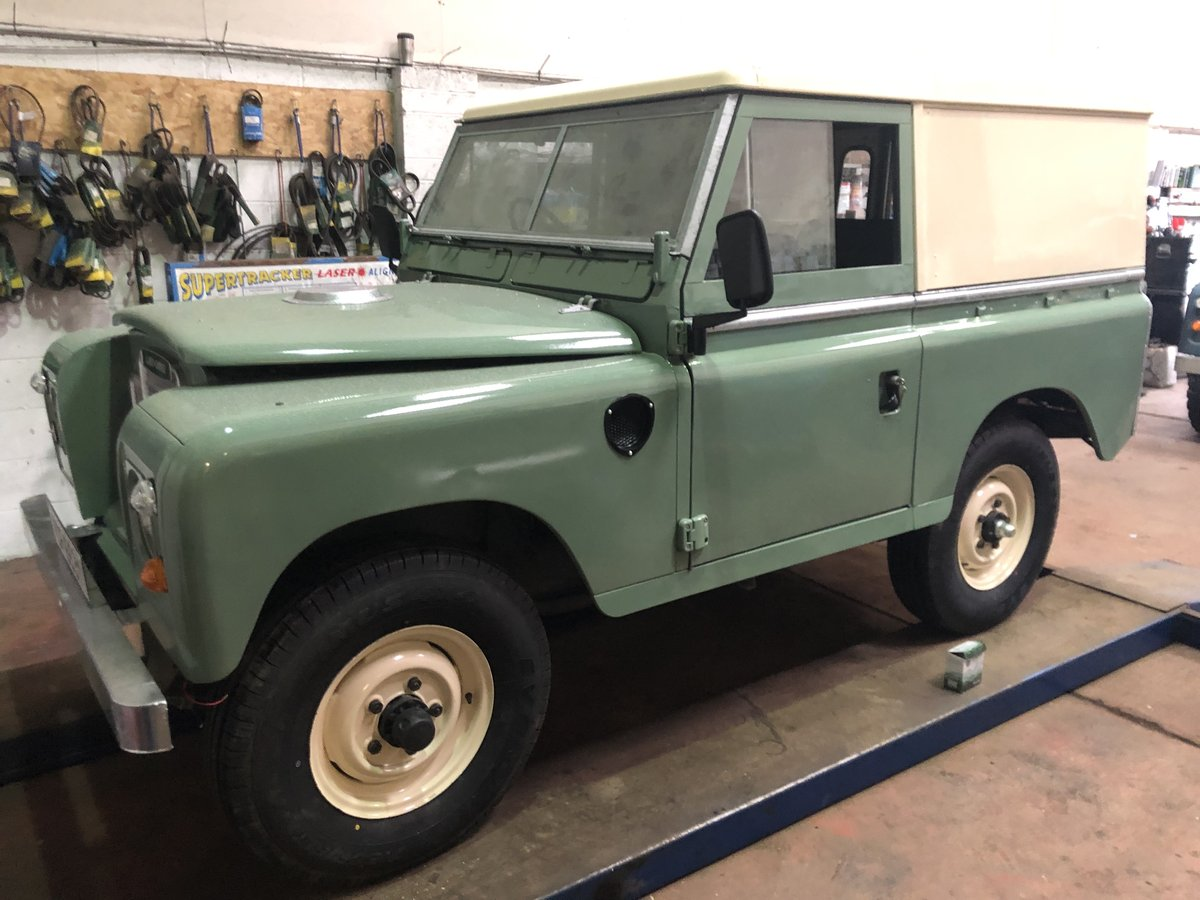 1983 Land Rover Series 3 galvanised chassis/doors. Restored SOLD (picture 3 of 6)
