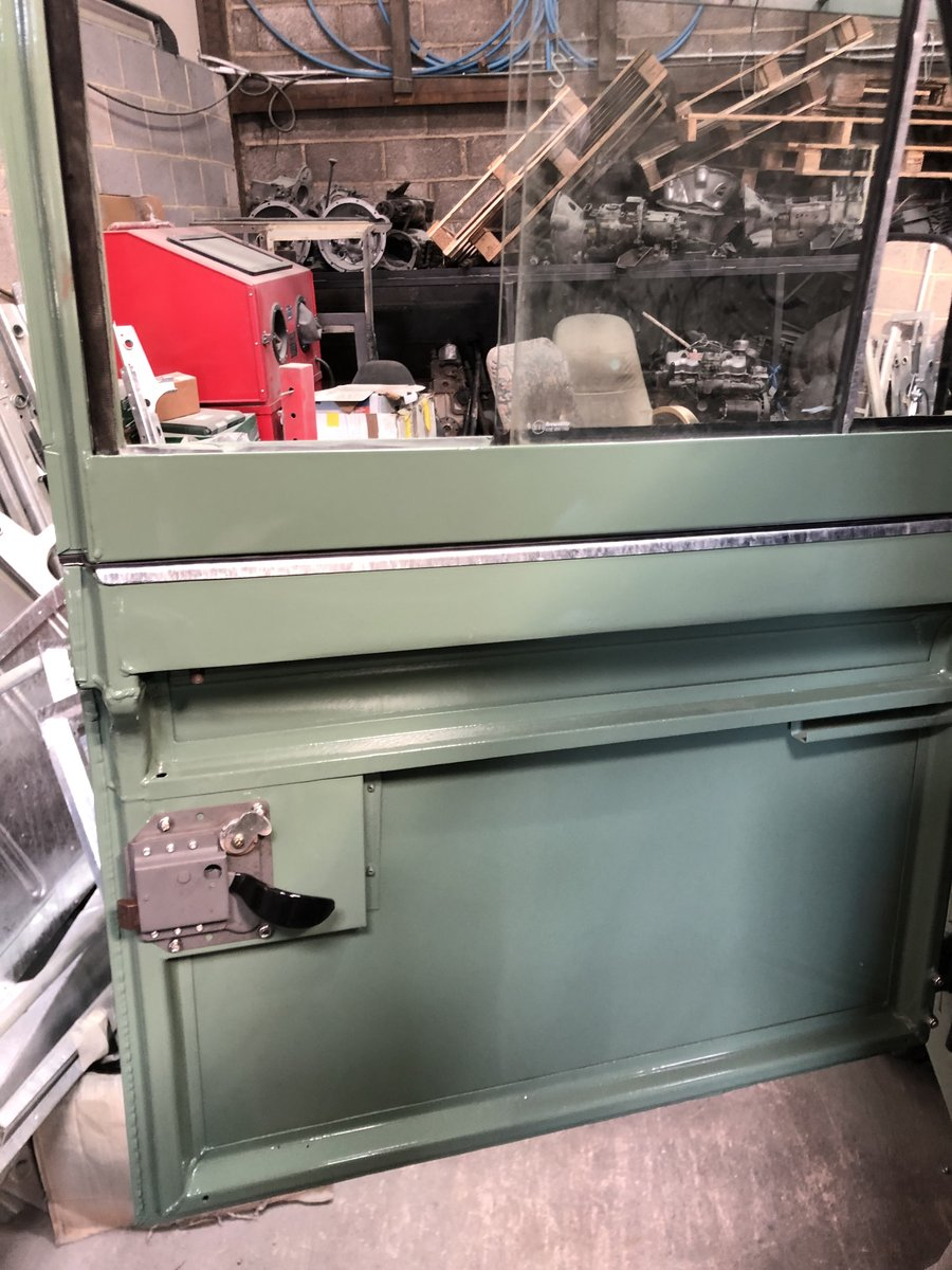 1983 Land Rover Series 3 galvanised chassis/doors. Restored SOLD (picture 5 of 6)