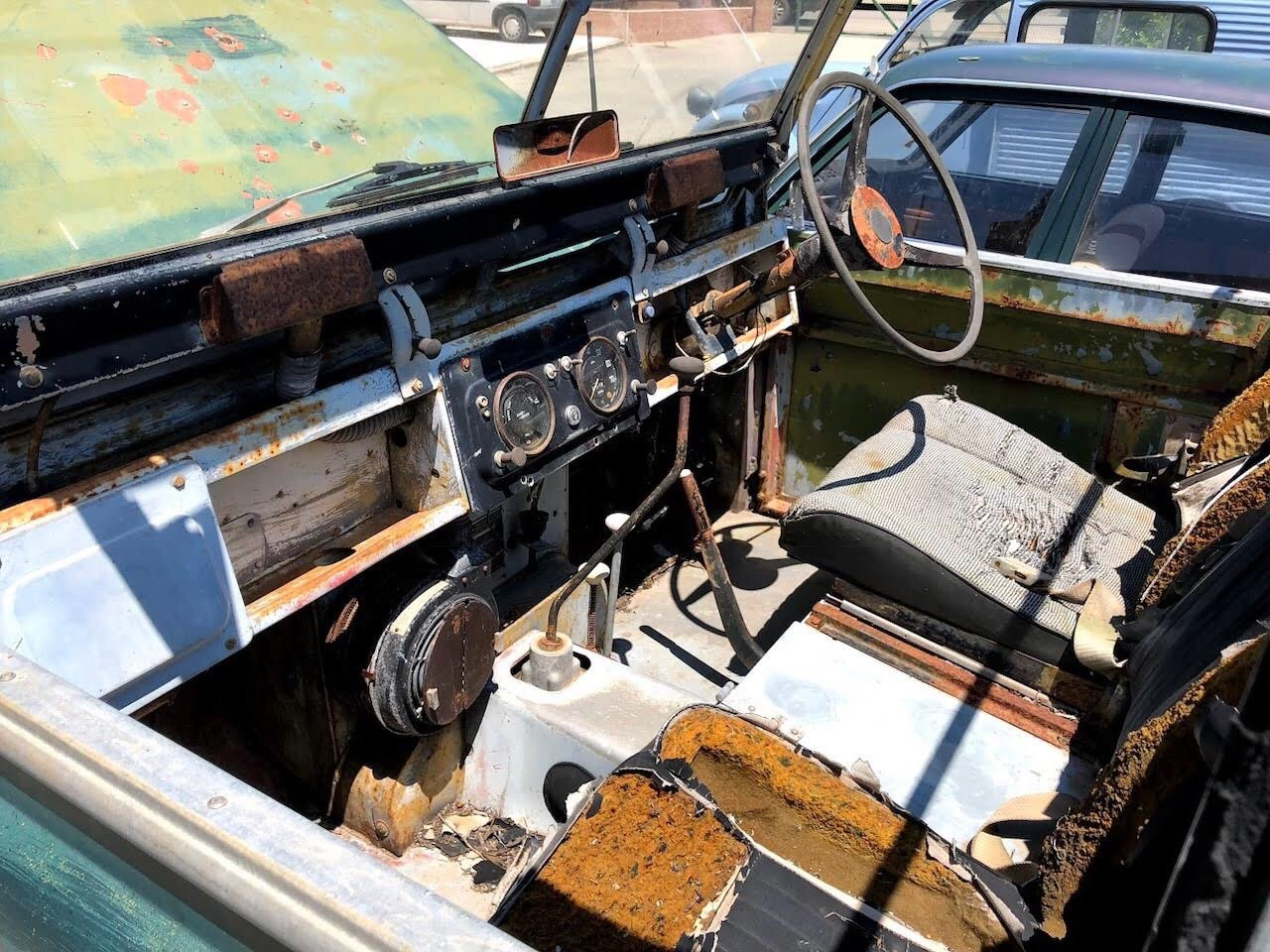 1968 Land Rover RHD Soft Top Restoration Project For Sale (picture 3 of 6)