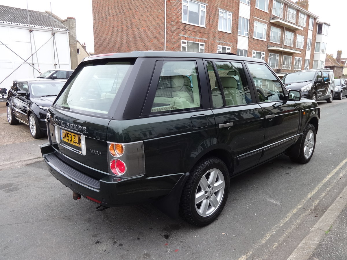 2004 RangeRover Vogue 4.4 V8 Low mileage 1 owner SOLD (picture 2 of 6)
