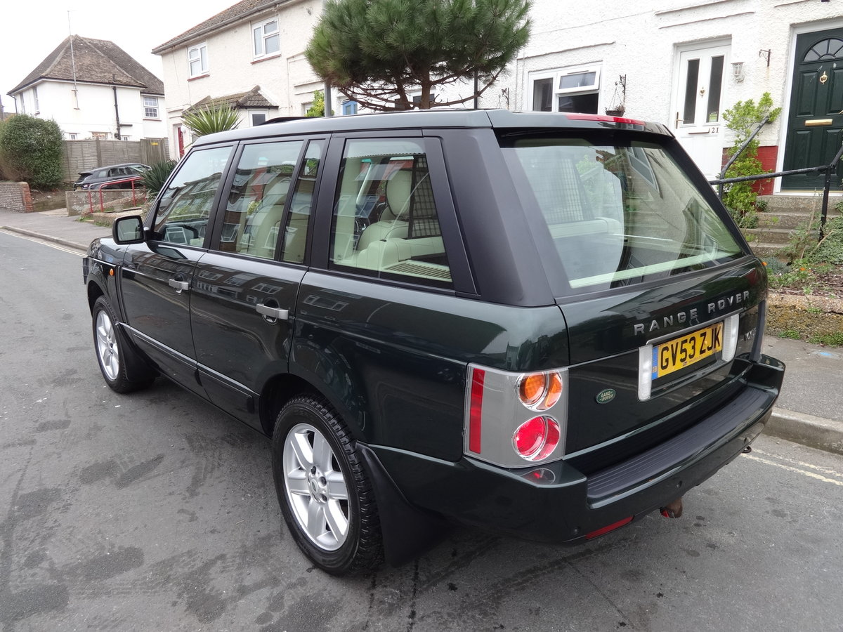 2004 RangeRover Vogue 4.4 V8 Low mileage 1 owner SOLD (picture 3 of 6)