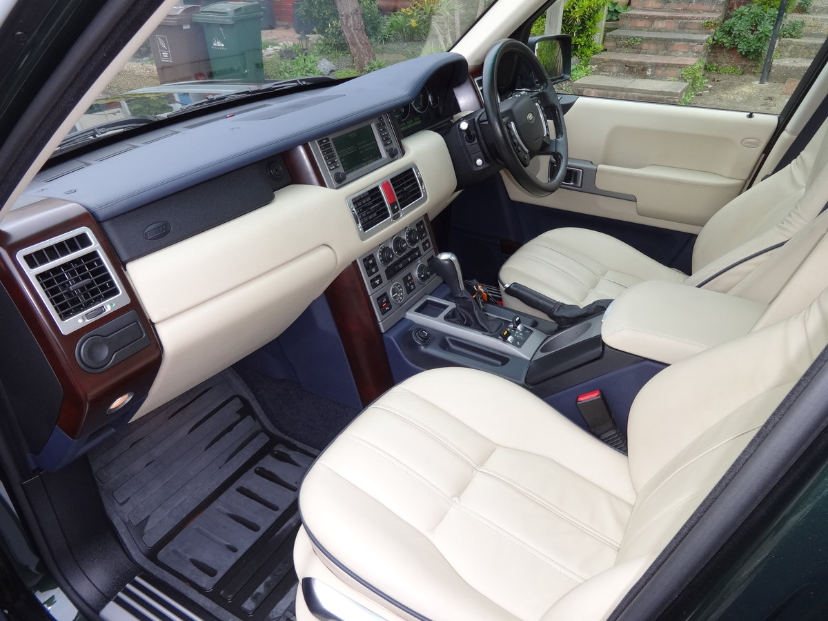 2004 RangeRover Vogue 4.4 V8 Low mileage 1 owner SOLD (picture 6 of 6)