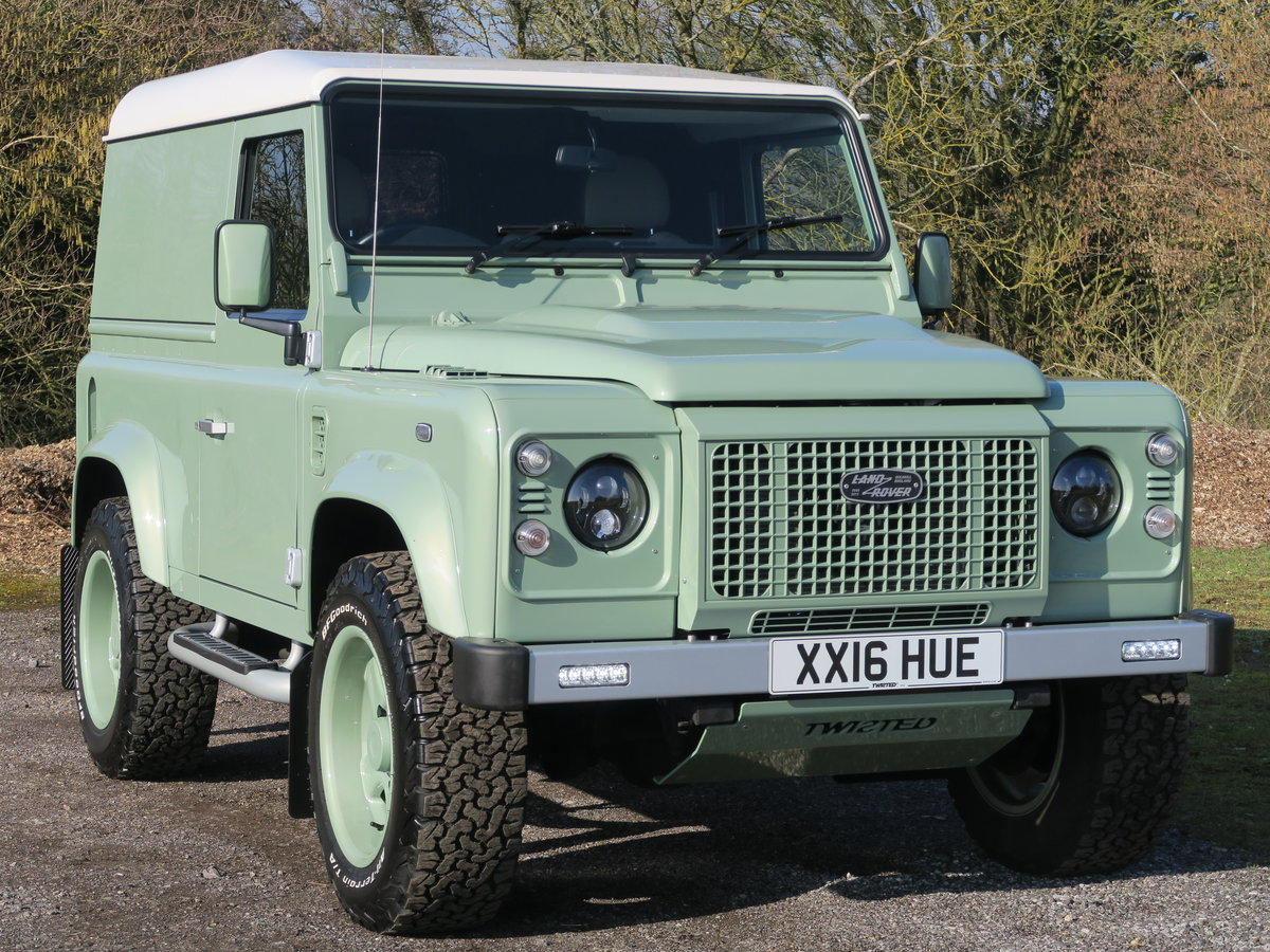 2016 Land Rover Defender 90 Hard Top 2.2TDCi 122 Heritage 6Spd Tw For Sale (picture 1 of 6)