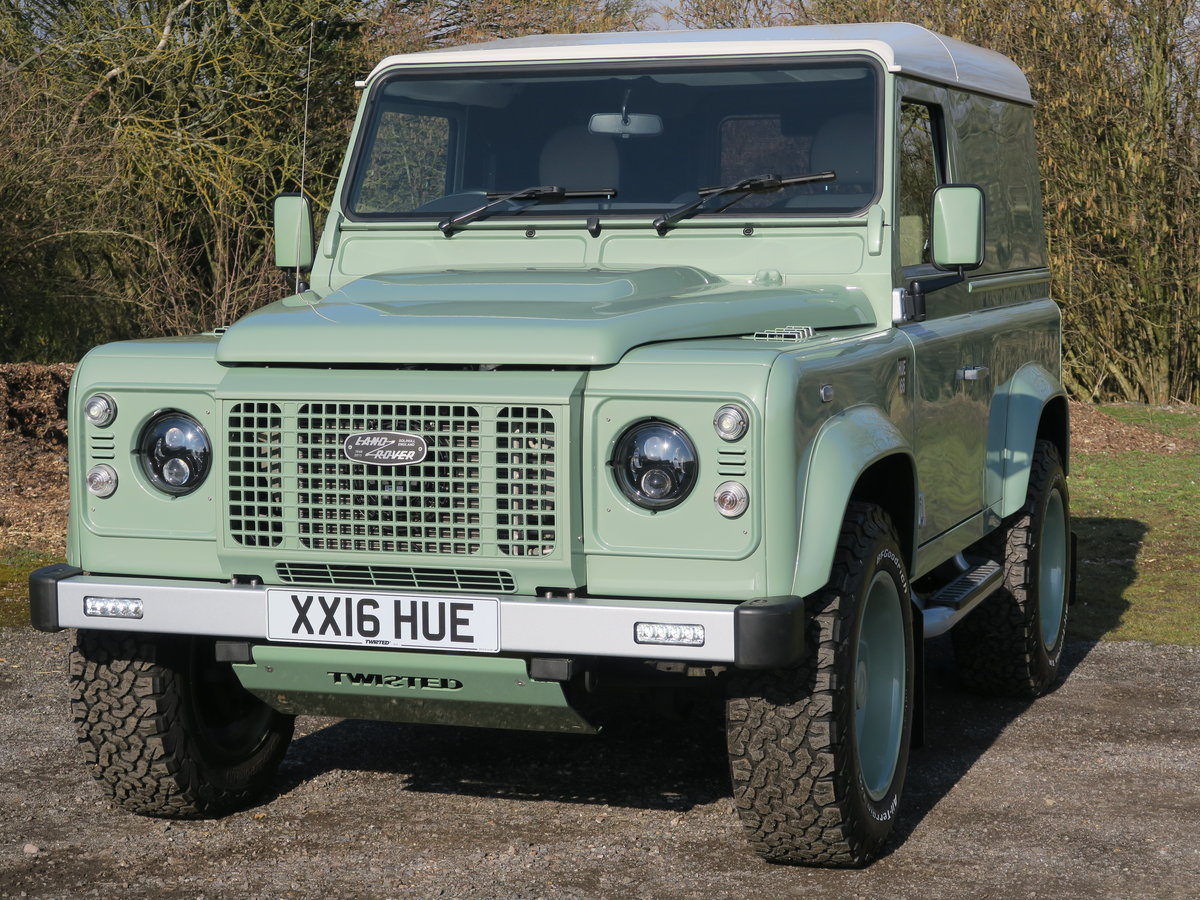 2016 Land Rover Defender 90 Hard Top 2.2TDCi 122 Heritage 6Spd Tw For Sale (picture 2 of 6)