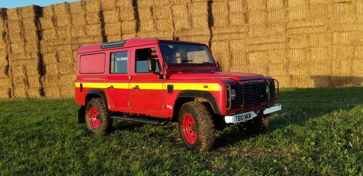 1999 Defender 110. Low mileage.SOLD> CALL FOR NEW! For Sale (picture 1 of 6)