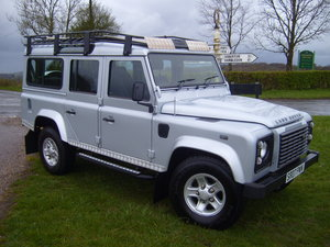 2007 Land Rover Defender XS, 110 7 seat, only 69,000 miles