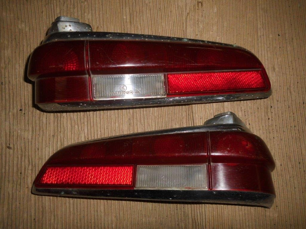 MERCEDES Tail Lights & Headlamp Rings For Sale (picture 4 of 6)
