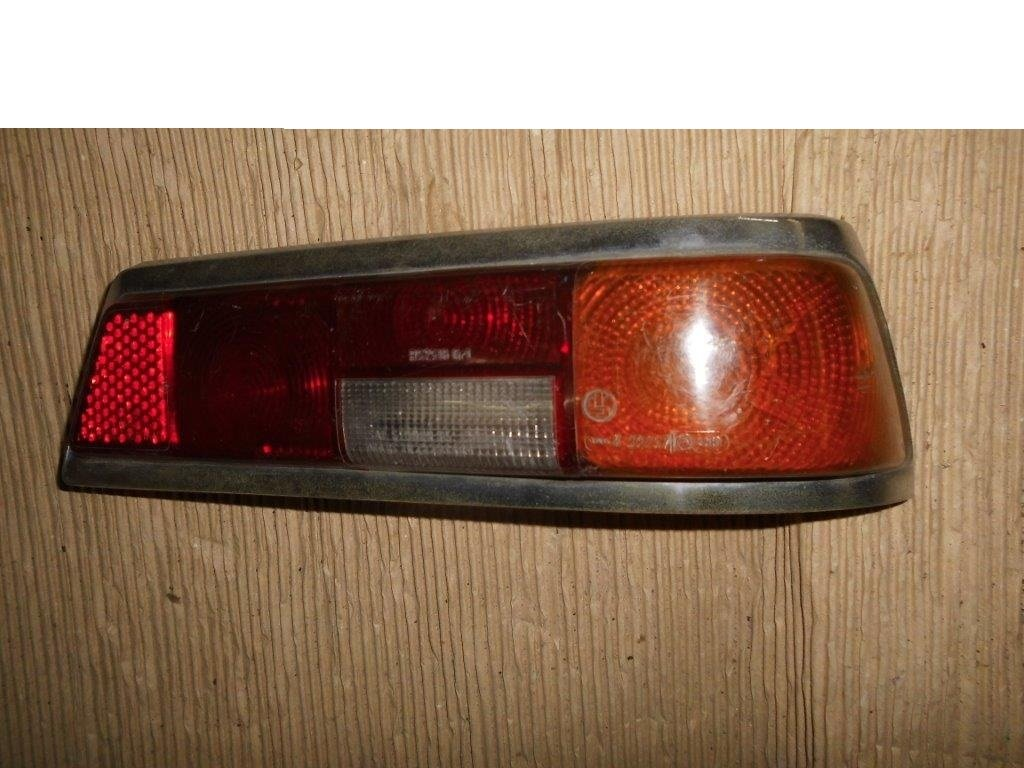 MERCEDES Tail Lights & Headlamp Rings For Sale (picture 5 of 6)