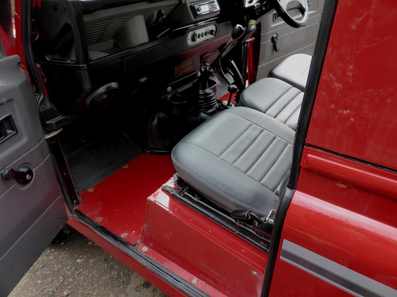 1993 Stunning And Out Standing Defender 90 200 TDi For Sale (picture 5 of 6)