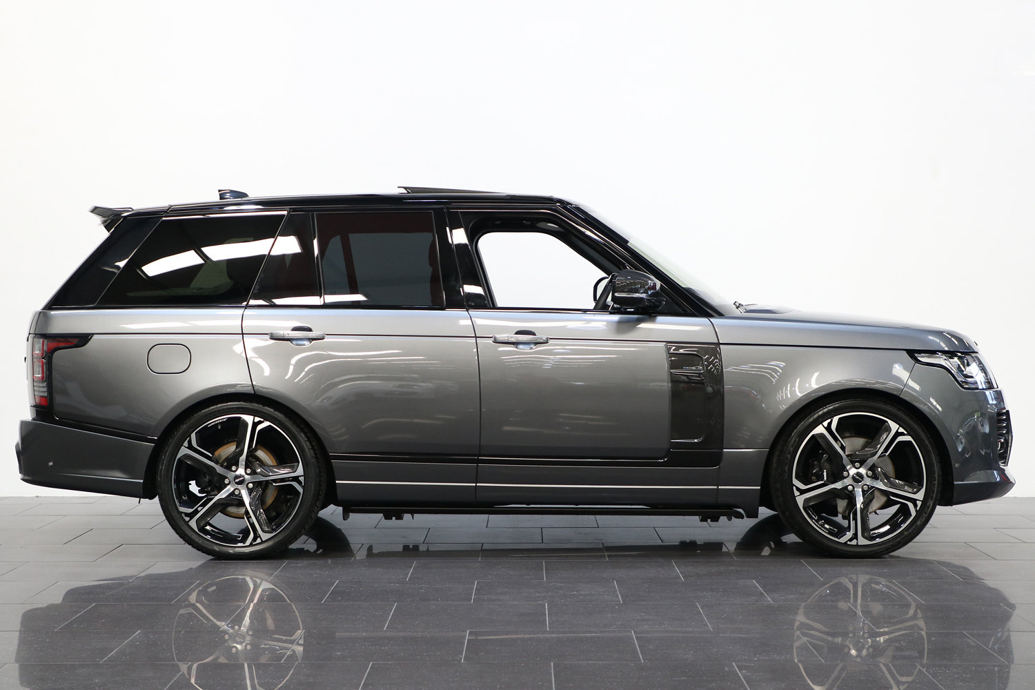 2017 67 RANGE ROVER 4.4 SDV8 AUTOBIOGRAPHY OVERFINCH AUTO  For Sale (picture 2 of 6)