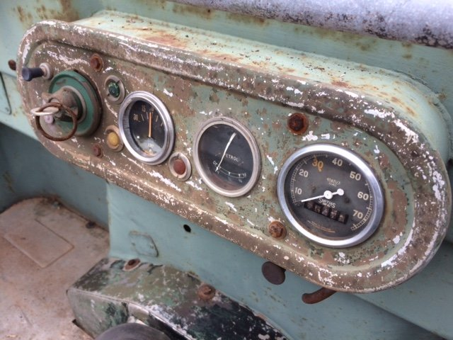 1951 Series 1 80 inch Land Rover - Lights Through The Grill  For Sale (picture 5 of 6)