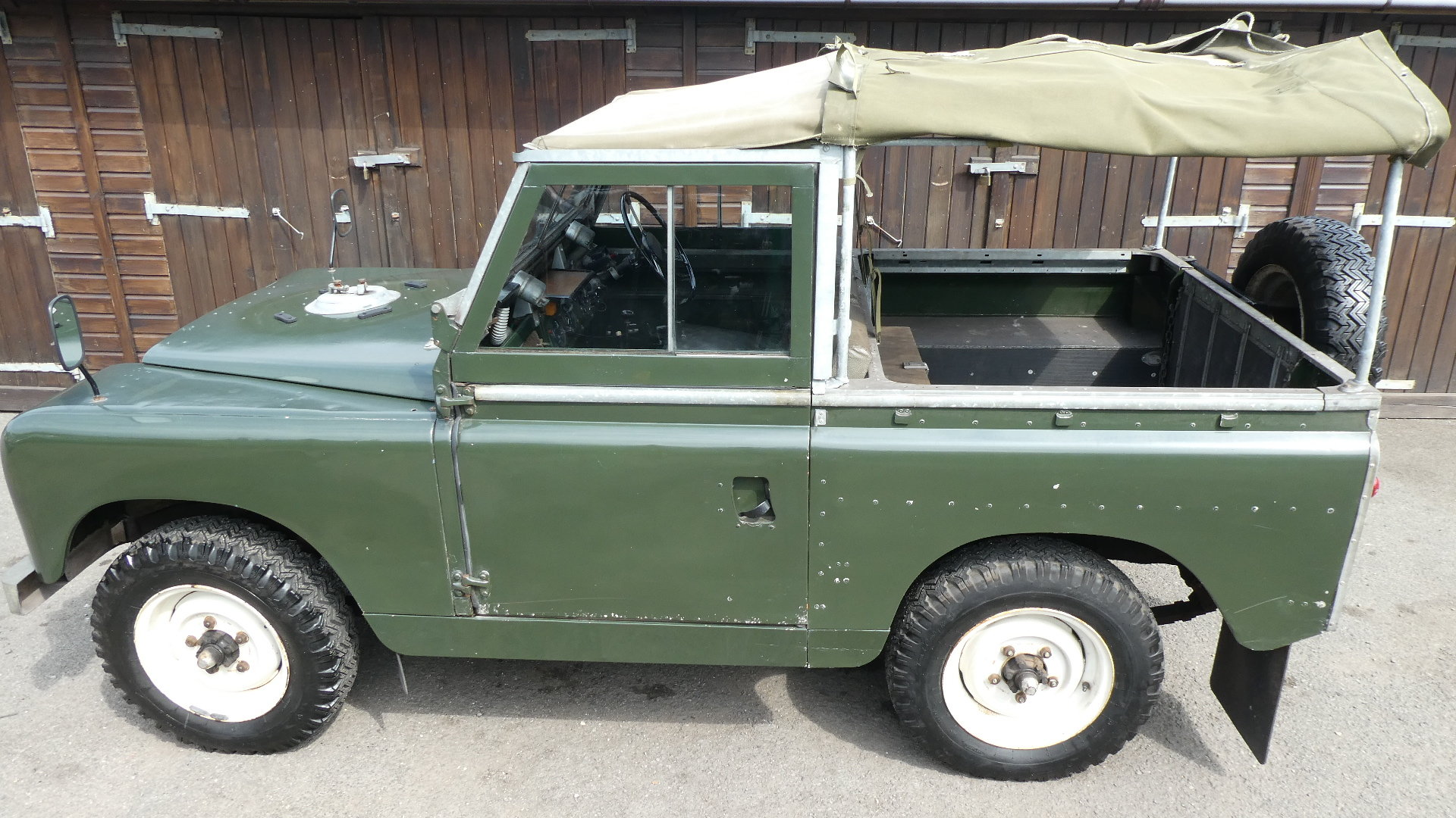 1958 Land Rover Series 2  model 88 For Sale (picture 2 of 6)