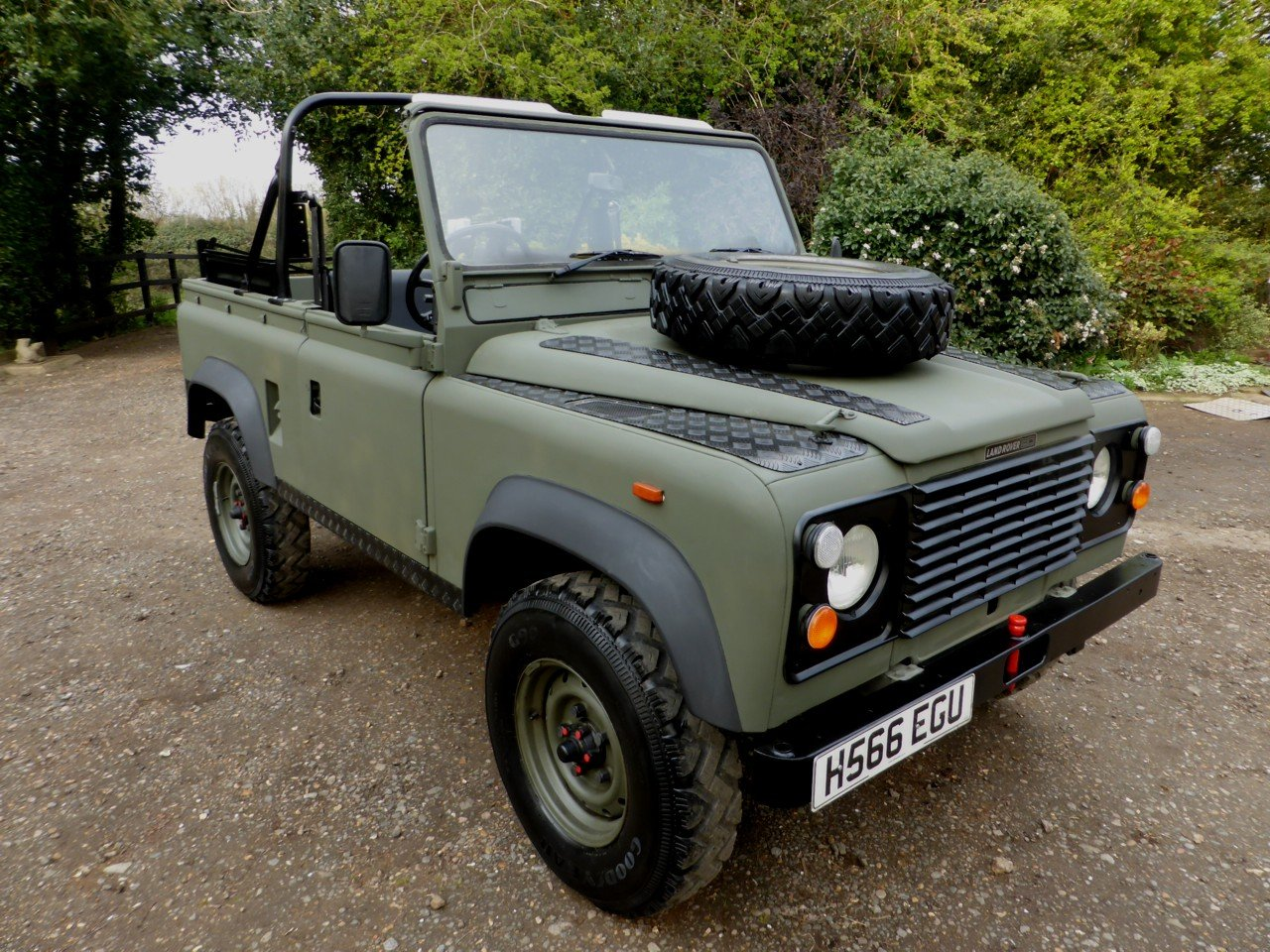 1991 Ex MOD Land Rover 90 Soft Top SOLD (picture 2 of 6)