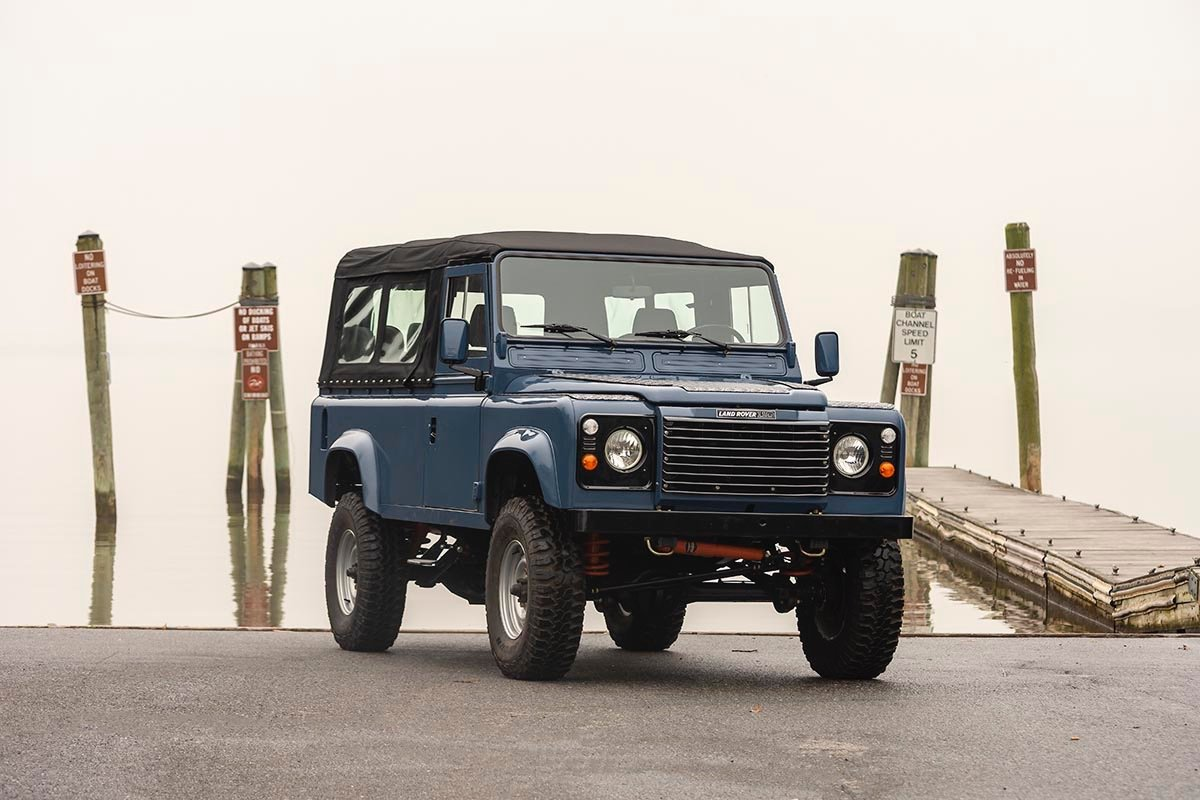 1988 Land Rover 110 3.5 V8 LHD with A/C SOLD (picture 1 of 11)