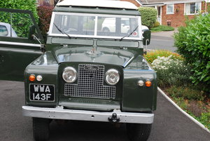 1968 Land Rover Safari Roof