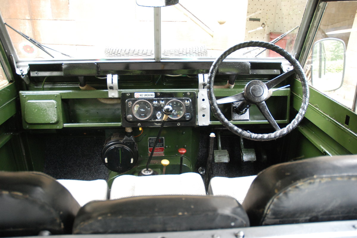 1968 Land Rover Safari Roof For Sale (picture 2 of 5)
