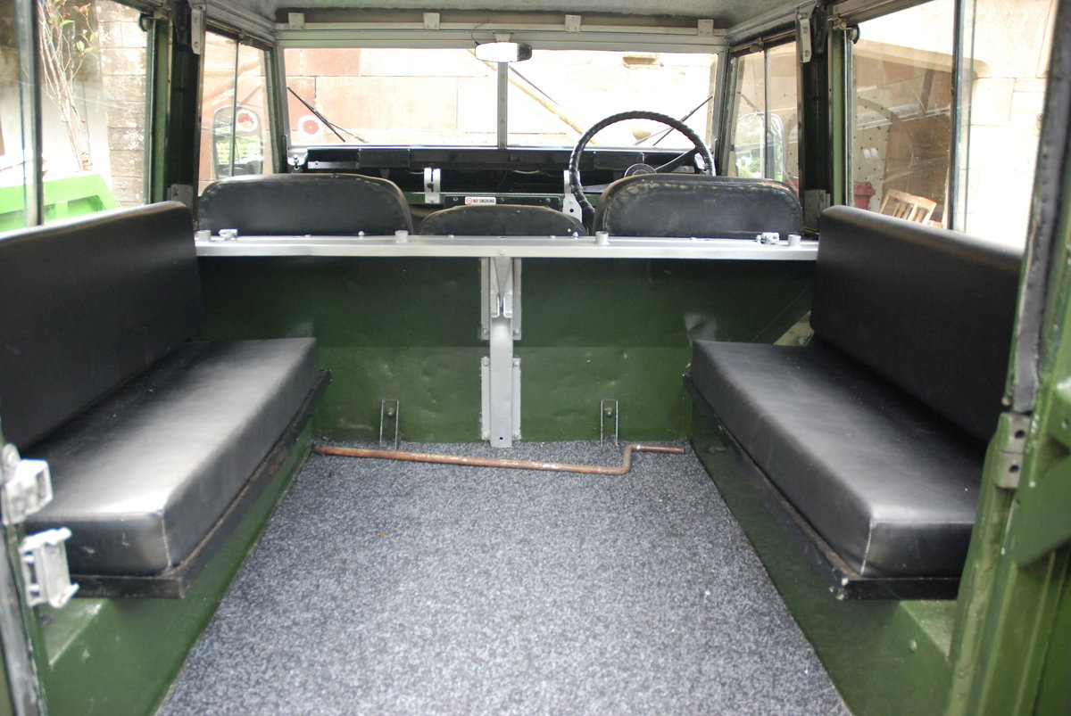 1968 Land Rover Safari Roof For Sale (picture 3 of 5)