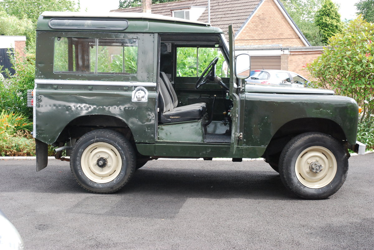 1968 Land Rover Safari Roof For Sale (picture 4 of 5)