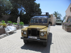 Classic Land Rover 109 Series III Station Wagon   1975